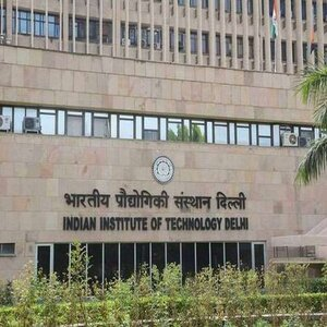 IIT-Delhi Students bag 925 Offers in First Phase of Hiring, Placement Drive to Continue till May 2021