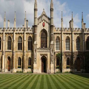 University of Cambridge Launches Free One Year Course for Disadvantaged Students