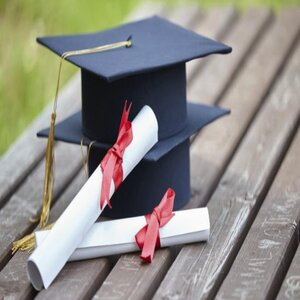 Pros and Cons of Enrolling Under a Dual Degree Program