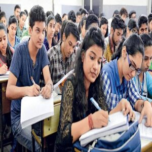 NITI Aayog Extends Support for New AICTE Engineering Norms, Suggests to Drop Maths and Physics