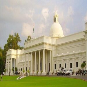 IIT Roorkee Signs MoU With Road Transport Ministry to Promote Research
