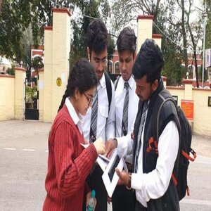 JEE Main 2021: Education Ministry Affirms Relaxation over Securing 75 Percent Marks in Class 12 Board Exams