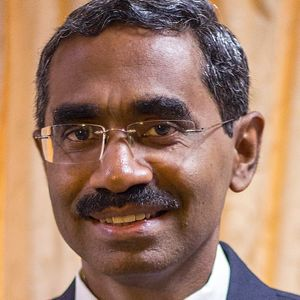 Thillai Rajan: A Professor and CEO Helping Young Businesses Navigate through Early Entrepreneurship Challenges