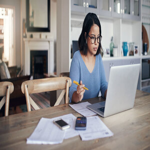 Ways to Earn Money while still Pursuing Degree