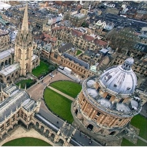 What Admission Essay Topics You Need to Write in Oxford University
