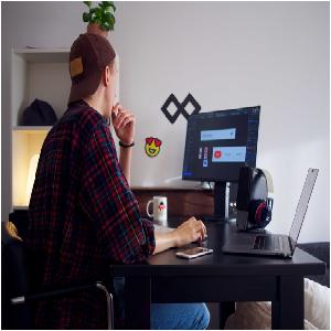 Being a Freelancer: Benefits and Pitfalls