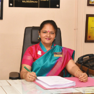 Dr. Parul Kumar,Principal