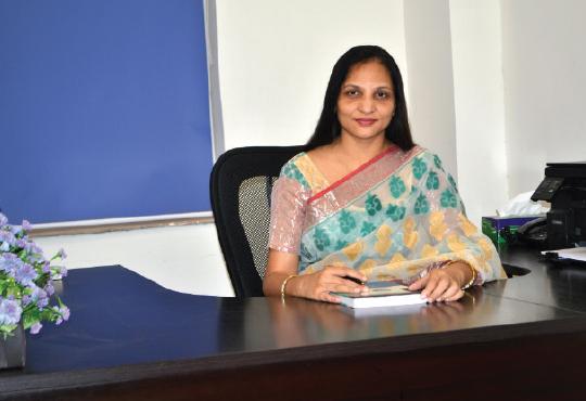 Dr. Anubhuti Dwivedi
